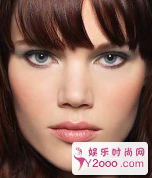 根据自己发色肤色眼睛颜色来搭配适合自己的四季妆容_Y2OOO.COM第1张