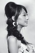 打造复古发型DIY 变身性感小淑女_Y2OOO.COM第2张