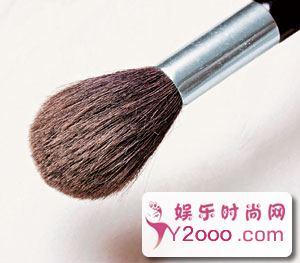根据年龄打造不同的粉底 塑造完美妆容_Y2OOO.COM第8张