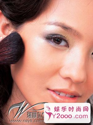 图解5款最惊艳的时尚派对妆容_Y2OOO.COM第1张