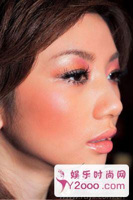 图解5款最惊艳的时尚派对妆容_Y2OOO.COM第4张