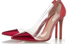 鞋帽:莫罗·伯拉尼克Manolo Blahnik 红色麂皮高跟鞋