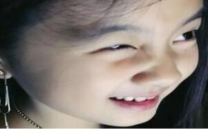 娱乐达人:黄磊微博晒出多多照片,将三个回形针串联做耳环佩戴