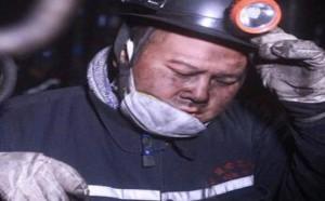 明星档案:岳云鹏赴煤矿挖煤,苦干六小时后身体虚脱累到飙泪