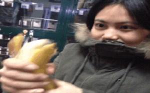 色你妹gif动态图片:邪恶美女妹子撸香蕉