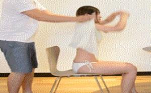 邪恶动态gif图片:男女真人演示各种一秒脱衣神技
