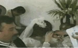 搞笑gif动态图:内涵大婊哥超级搞笑的结婚仪式gif动态图片