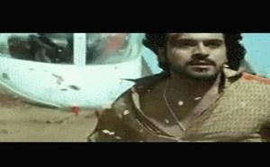 搞笑gif动态图:印度电影开挂惊天神作镜头gif动图