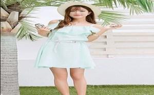 穿衣打扮:夏季手臂粗穿什么衣服?露肩连衣裙性感迷人很显瘦