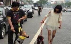 社会百态邪恶图片:现在都不流行遛狗了,开始遛孩子