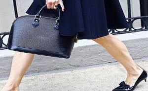 高跟鞋是每个女人的追求,但万事总得有个开始