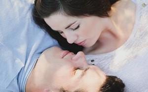 恋爱秘籍:女人要保持新鲜感神秘感 才能抓住男人