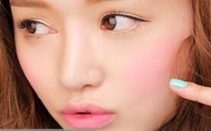 5种不同脸型修颜腮红的瘦脸化妆技巧