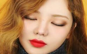 好气色妆出来!冬日元气烟熏妆的眼部化妆步骤