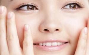 脸上毛孔变大咋办 如何清理和缩小脸部毛孔