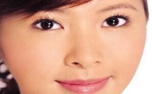 皮肤偏黑的美眉要怎么化妆才自然
