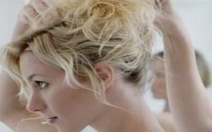 如何利用卷发棒打造时尚发型?