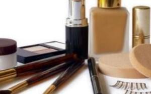 旅行必备的六种化妆品你带了吗?