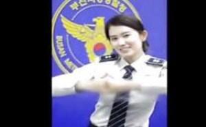宅男视频福利在线不卡 韩国美女警察撒娇卖萌舞蹈可爱颂